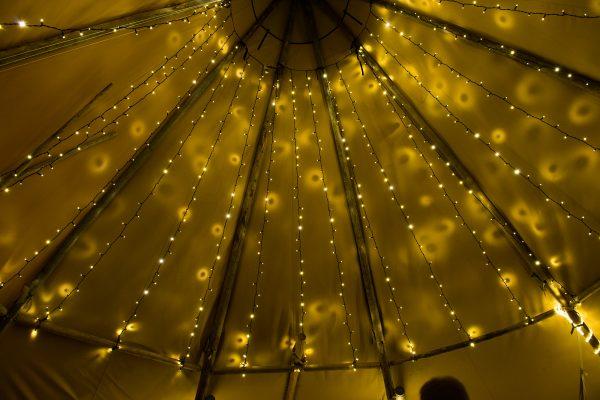 Interior iluminado Tipi Kung